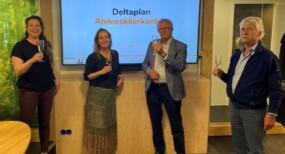 https://www.deltaplanalvleesklierkanker.nl/content/uploads/sites/2/2021/06/Toekenning-Deltaplan-1024x768-1-285x154.jpeg